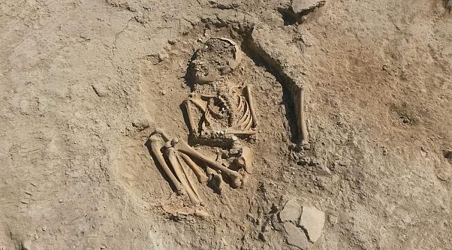 Arslantepe Höyüğünde, 5700 Yıllık Çocuk İskeleti Bulundu